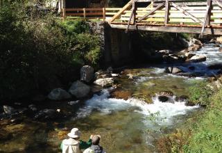 Pesca a mosca nel Torrente Rabbies \ Fly fishing in Rabbies stream \ Pêche à la mouche dans le ruisseau Rabbies